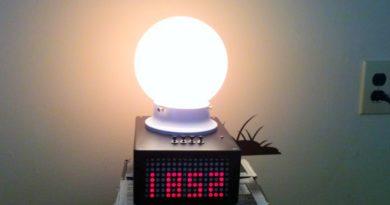 Будильник с лампой, имитирующей восход солнца